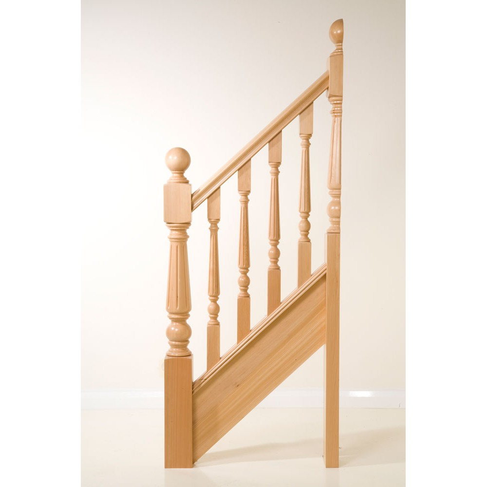 117mm White Oak Craftmans Choice Trentham Turning 416mm Top Fluted With Cap